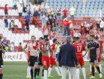 Desolación entre los jugadores rojiblancos. Foto: laliga.es